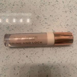 Makeup Revolution Prime + Lock Eye Primer